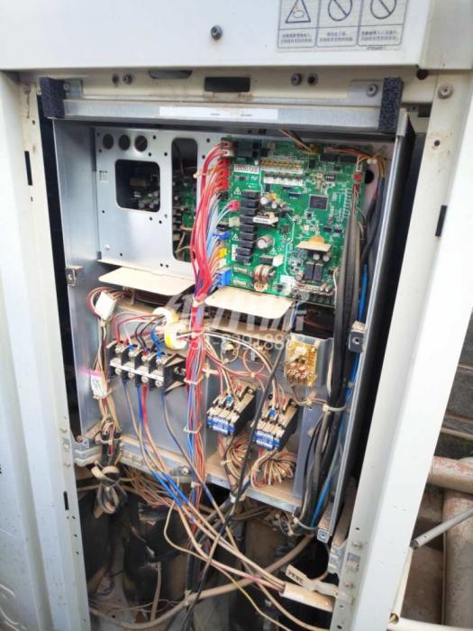 空调系统开机后自动进行关机怎么办